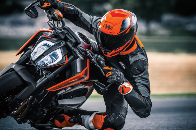 curvas en motocicleta